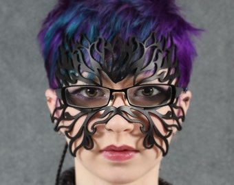 Filigree Flame leather mask in black for eyeglasses