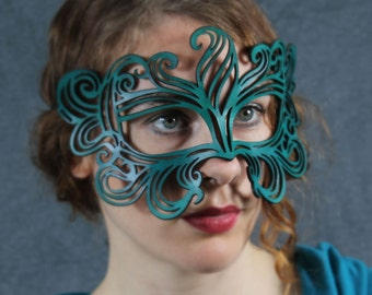 Muse leather mask in teal