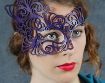 Roxy leather mask in purple