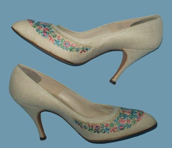 Vintage 50s High Heel Shoes 5 B Embroidered Floral