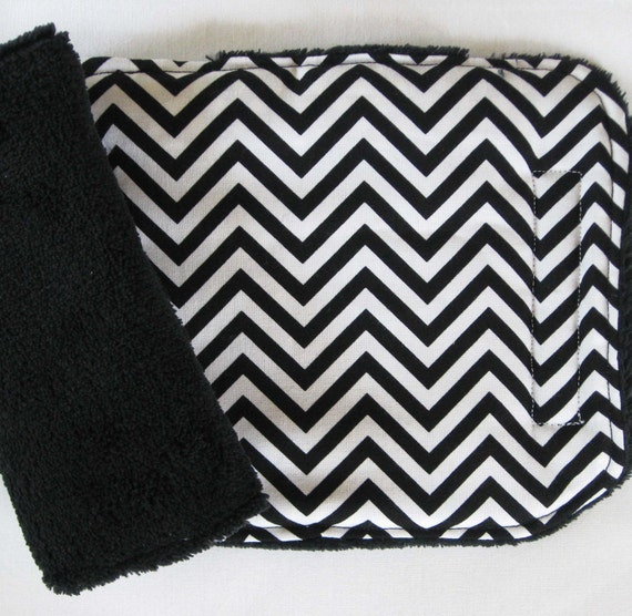 Zig Zag Black and White Reversible Car Seat Strap Covers