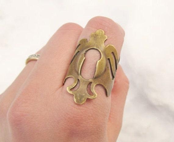 Keyhole Ring by DanielleRoseBean