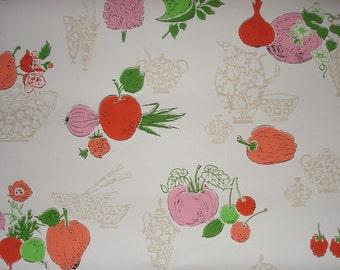 vintage wallpaper - kitchen vegetables - FLAT FOLDED - per full yard