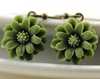 Olive Green Flower Earrings Dangle Earrings Drop Earrings Flower Jewelry. Olive Green Petite Flower Earrings Daisy Flowers, Argentina