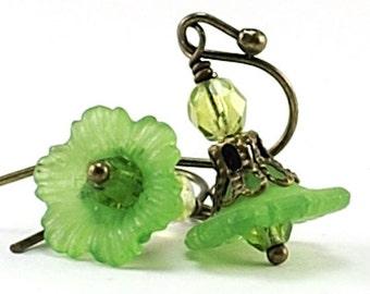Peridot Green Flower Earrings Petite Flower Earrings, Romantic Green Floral Earrings Brass Beaded Jewelry Simple Everyday Wear Japan