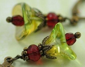 Green Flower Earrings Christmas Earrings Holiday Earrings Christmas Jewelry Green and Red Earrings Beaded Glass Earrings, Portugal