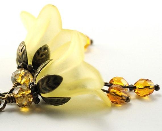 Yellow Flower Earrings Blossom Earrings, Lucite Flower Jewelry, Floral Dangle Earrings, Beaded Jewelry Yellow Earrings, France Earrings