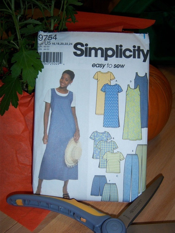 Simplicity Misses Dress, Tunic, Pants, Top, Jumper, Pants and Shorts Pattern n 9754 Uncut Sizes 16 thru 24