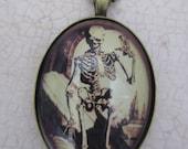 Time stands still - Oddity necklace