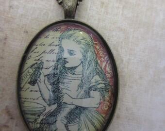 Alice in Wonderland -Drink me