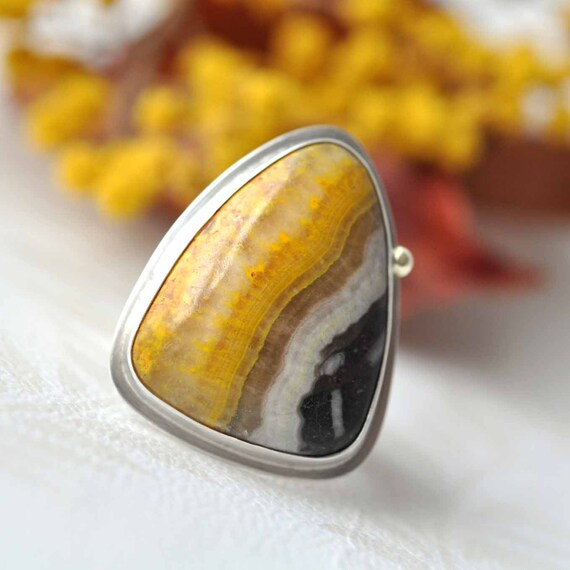 Triangle Ring - Musterd Jasper - sterling silver - 14 kt gold - Inspire - size 7 - ooak - stamped text
