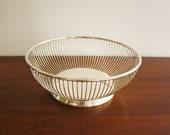 Mid-century Modern silver-plated round vintage wire basket or fruit bowl, Gorham