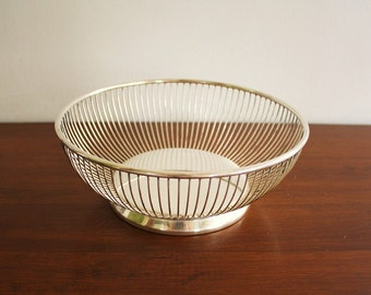 Mid-century Modern silver-plated round vintage wire basket or fruit bowl, Gorham