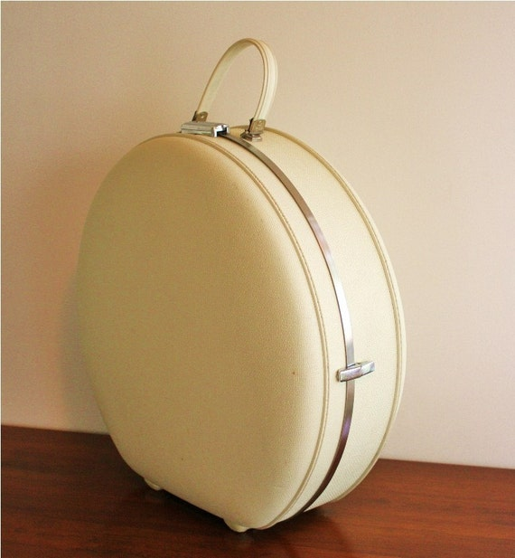 Large Vintage American Tourister Round Trunk Hat Box Suitcase