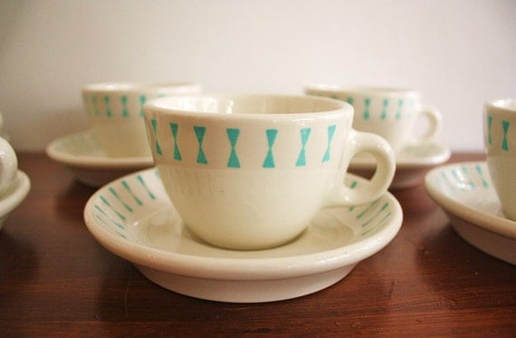 1950s set of 5 Homer Laughlin cups and saucers