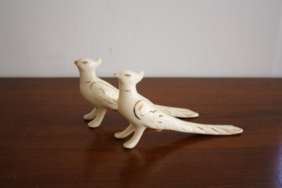 1950s pair of ceramic bird salt and pepper shakers