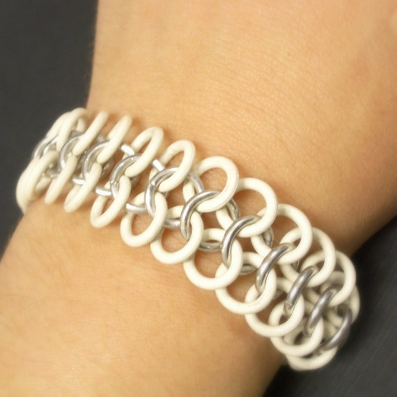 Stretch White and Silver Chainmaille Bracelet