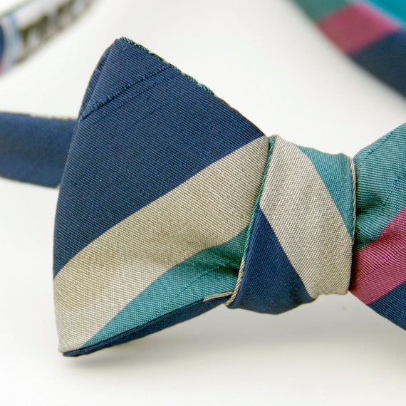 black friday/cyber monday sale-cool stripes freestyle bow tie