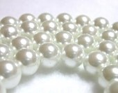 8mm white pearls 50 Stark White Pearls in 8mm