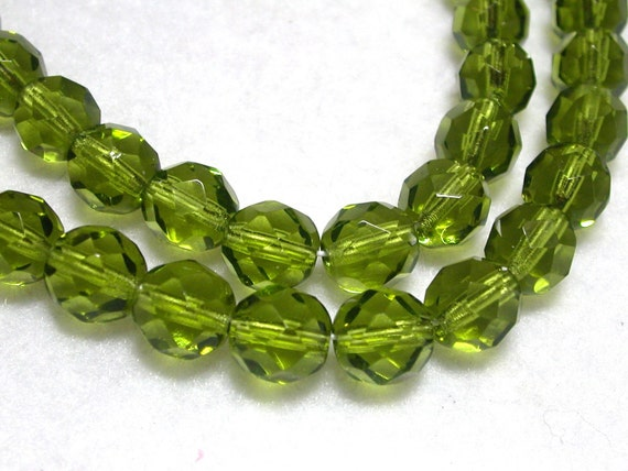 8mm Olive Green Beads 20 Gorgeous Faceted 8mm Glass Rounds in Olive Green