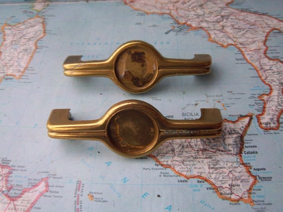 2 vintage deco style metal handles with round centers includes hardware