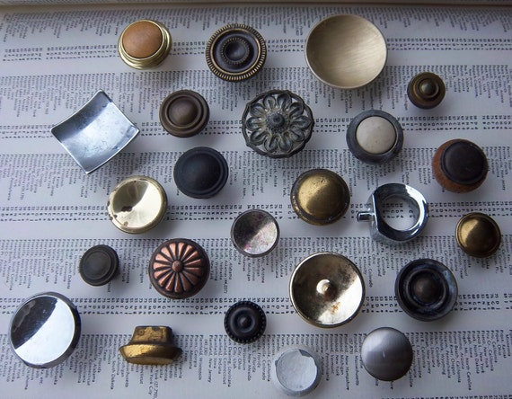 Custom vintage hardware order for StephanieNathanson - 5 mixed knobs includes hardware