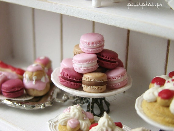 Macarons Tower - Marie Antoinette in Delicate Pink Shades - Dollhouse Miniature in 1/12 Scale