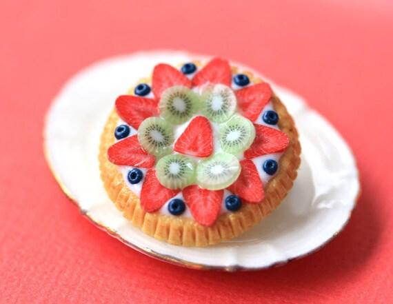 Fruit Tart / Pie / Cake Brooch - Kiwi, Blueberries and Strawberries - Fruit Tart Collection - SALE