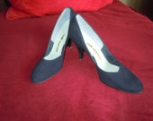 "Vintage 60's Blue Suede High Heels- Shoes 3"" Heels Nice Condition Size 8 AA"