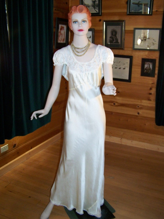 """Vintage 1940's Night Gown Pure Silk and Lace Cream Color Beautiful Large - Bust 38"""""""