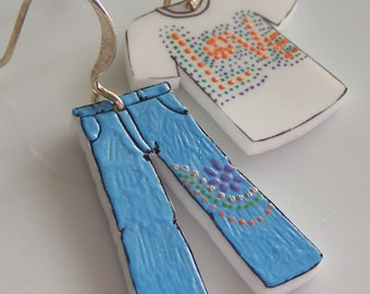 Jeans and a t-shirt asymmetrical shrink plastic earrings