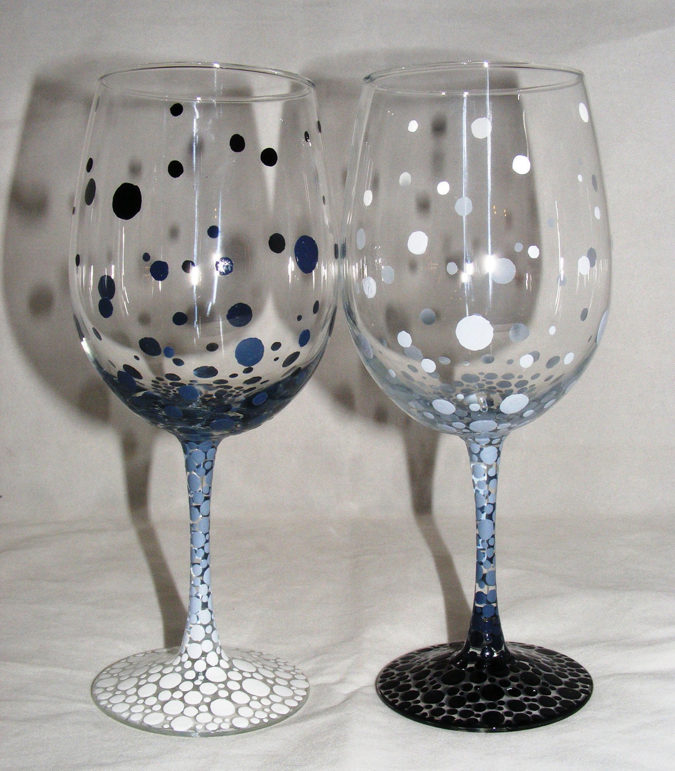 Gradient black and white bubbles hand painted wine glasses 1 for Painted wine glasses
