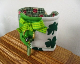 St. Patricks Day Cuff Bracelet , Wearing of The Green Bracelet, St Patricks Day Fabric and Beads Bracelet, Shamrocks on St Patricks Day