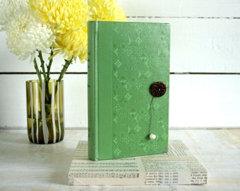 Green Patterned Vintage Hardcover Book Keepsake Box / trinket box / mothers day / gift for her / gift for book lover / green hardcover book