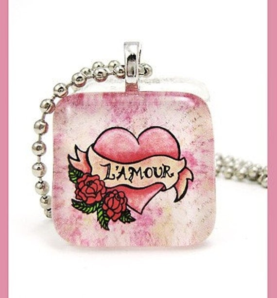 Heart and roses L' amour. Glass pendant with ballchain necklace
