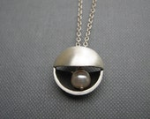 Geometric Circle Peach Pearl Sterling Silver Pendant Necklace