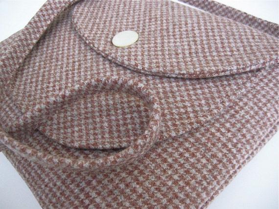 Handmade iPad Bag Vintage Wool Oleson iSockit