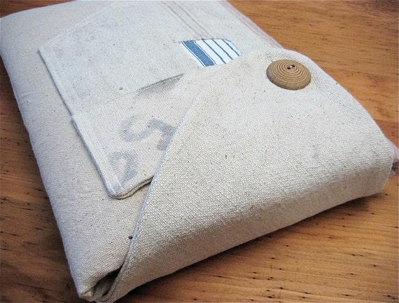 "13"" MacBook Case Handmade Vintage Feed Sack iSockit"