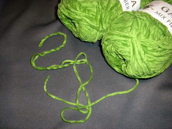 Shamrock Green Chenille Novelty Yarn Gala Mix Fiber qty 2
