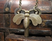 Bee Necklace, Steampunk Key Necklace, Vintage Key, Bumble Bee, Rustic, Unique, Recycled Jewelry, Upcycled,  Insect Necklace, Antique Brass