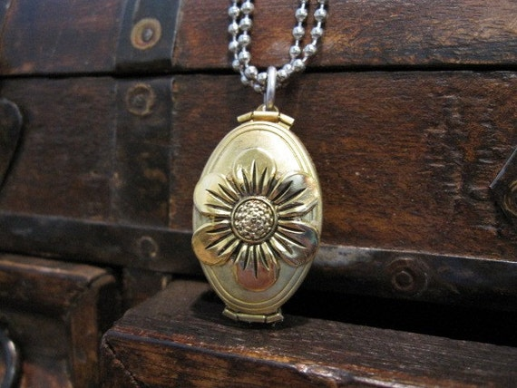 The Flower Locket - multiple photo locket