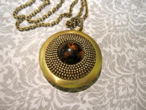 Locket Necklace, Tortoise Cabochon, Tortoise Locket, Tortoise, Brass, Patina, Vintage, Handmade Locket, Photo Locket, Brass, Round