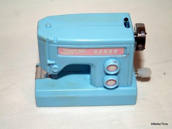 Barbie wind up sewing machine
