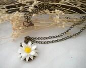 Gift for Flower Girls - Juniors  Daisy Necklace