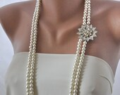 Handmade Freshwater Pearl Necklace with Crystal Brooch