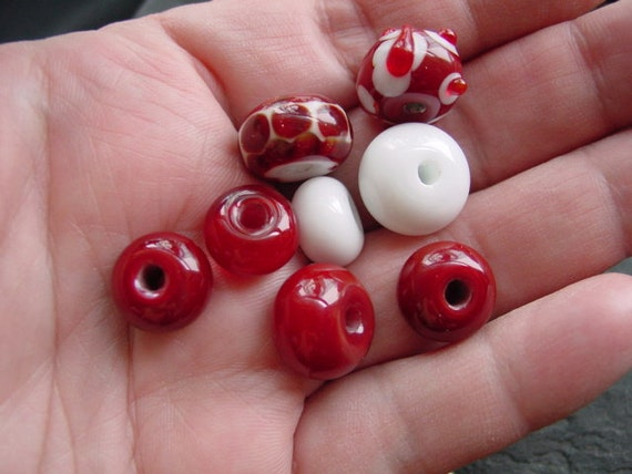 Handmade Lampwork Glass Bead Set Red and White. LWS-24
