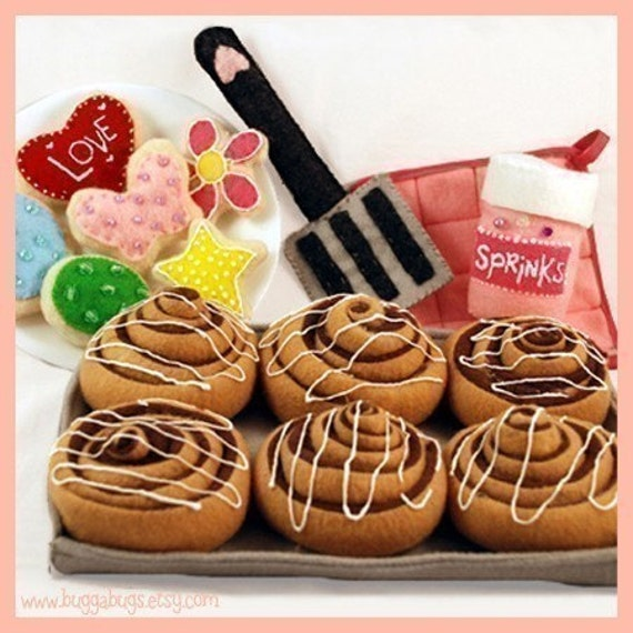 BAKERY SWEETS - PDF Felt Food Pattern (Cinnamon Rolls, Sugar Cookies, Sprinkles, Spatula, Hot Pad and Baking Sheet)