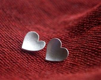 Love // serce. corazon. heart. - stud earrings
