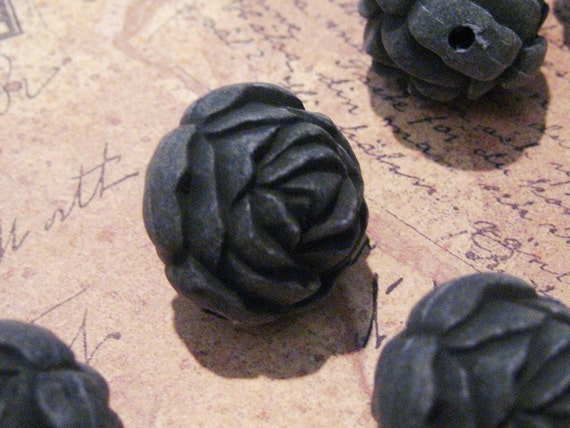 CLOSING SHOP - 4 XL Vintage Lucite  Carved Roses in Black - 22mm