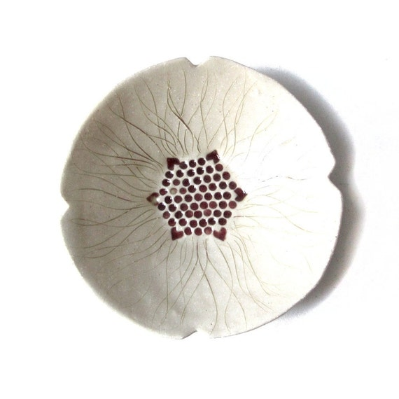 SALE NOW ON - Poppy serving bowl in cream stoneware ceramic